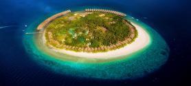 Pohled na hotel J Resort na Alidhoo, Maledivy