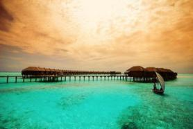 Hotel Olhuveli Beach v moři, Jižní Malé Atol