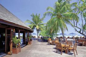 Hotel Olhuveli Beach s terasou, Jižní Malé Atol